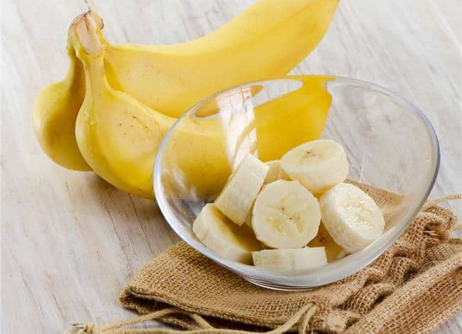 should-you-eat-bananas-at-night