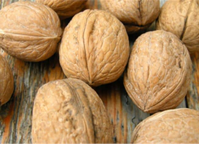 benefits from eating walnuts